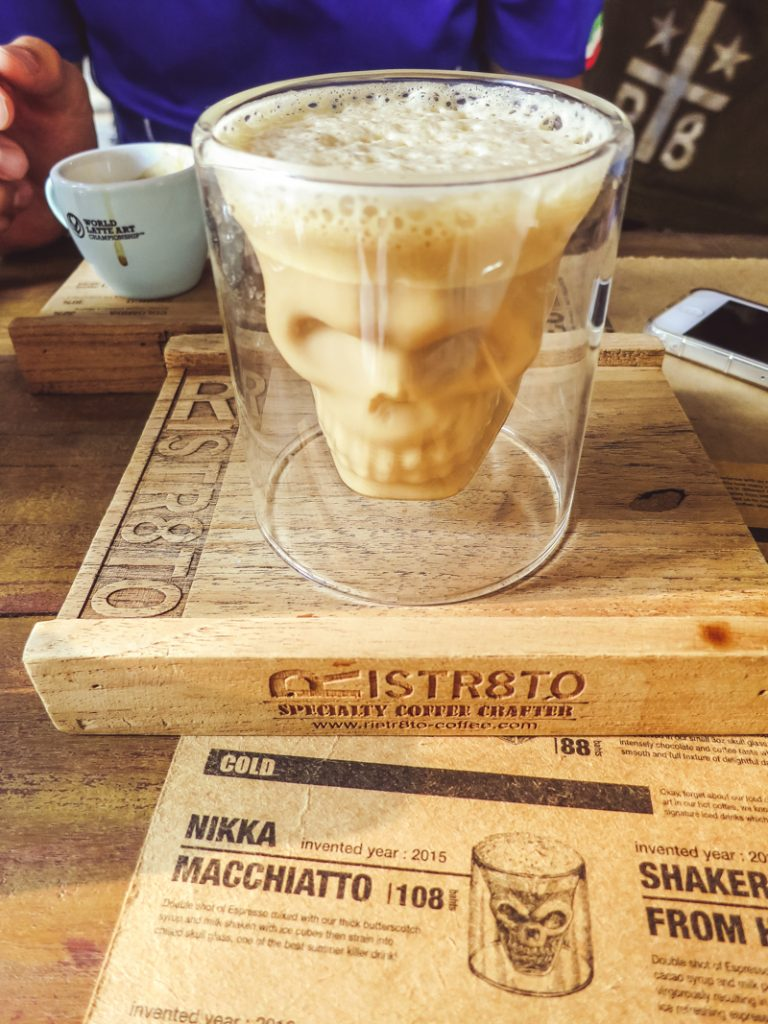 Things to Do in Chiang Mai | Drink the Infamous Satan Latte | www.chloestravelogue.com #ChiangMai #Thailand #SatanLatte #Rist8ro #CafeCulture #ThailandInsider
