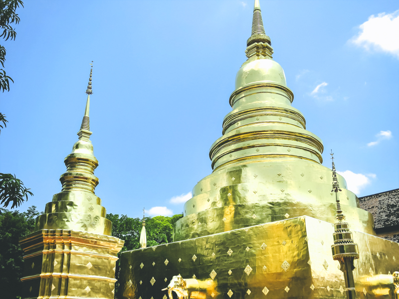 Things to Do in Chiang Mai - See All Four Must-See Temples in Chiang Mai | www.chloestravelogue.com #Thailand #ChiangMai #ThailandInsider #Temples #oldcity #WatPhraSingh #GoldenStupa #Buddha #Takoh #ThaiDessert